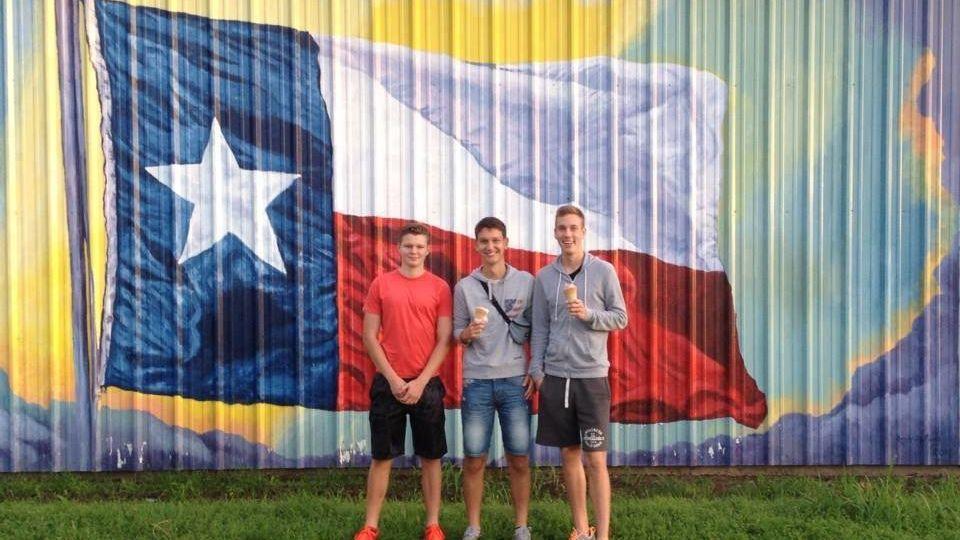 Exchange students in Texas